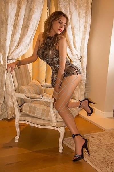 Sara D'angelis VILLA ROSA 3209671082